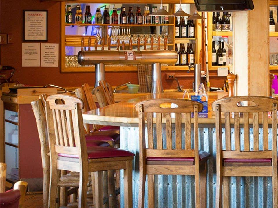 microbrasseries bar de dégustation en bois the last frontier brewing companywasilla alaska états unis ulocal produits locaux achat local produits du terroir locavore touriste