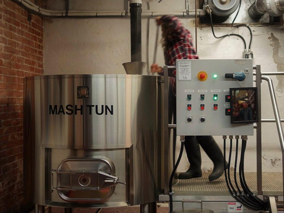 microbrasseries équipement de fabrication de bière en fût townsite brewing powell river colombie britannique canada ulocal produits locaux achat local produits du terroir locavore touriste