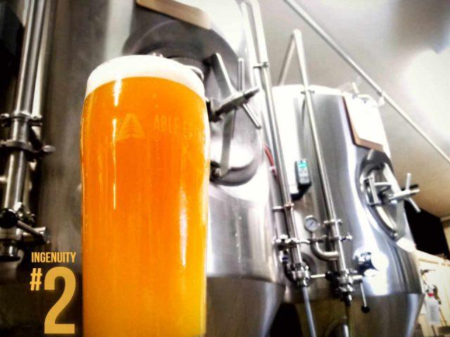 Microbrasserie verre de bière Able Ebenezer Brewing Company Merrimack New Hampshire États-Unis Ulocal produit local achat local