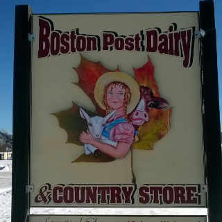 Fromagerie logo Boston Post Dairy Enosburg Falls Vermont États-Unis Ulocal produit local achat local