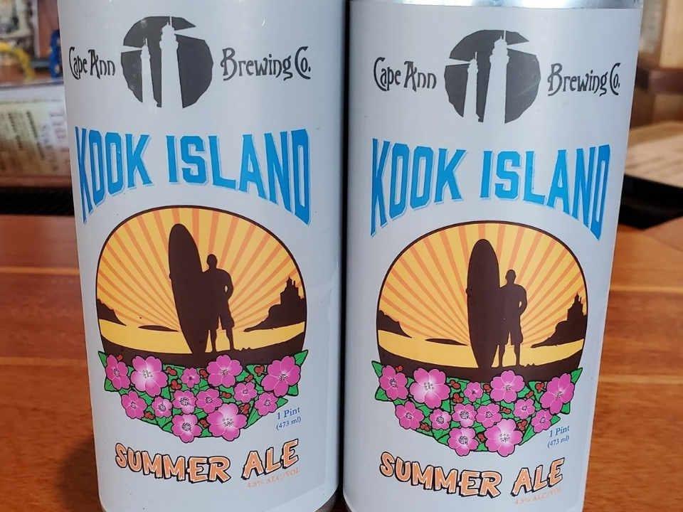 Microbrasserie canettes de bière Cape Ann Brewing Company Gloucester Massachussets États-Unis Ulocal produit local achat local