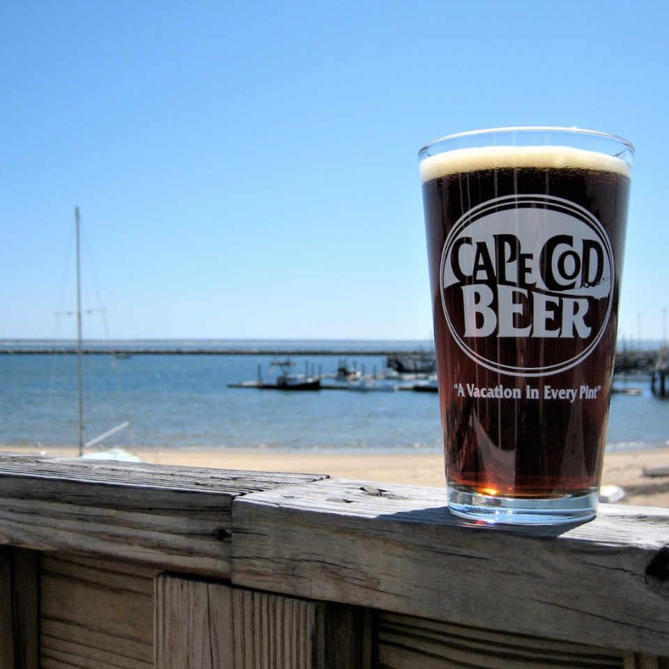 Microbrasserie verre de bière Cape Cod Beer Hyannis Massachusetts États-Unis Ulocal produit local achat local
