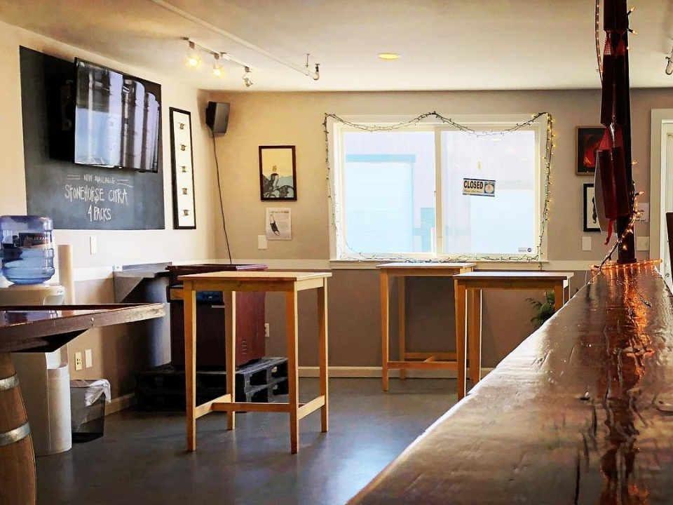 Microbrasserie salle de dégustation Devil's Purse Brewing Co. South Dennis Massachusetts États-Unis Ulocal produit local achat local