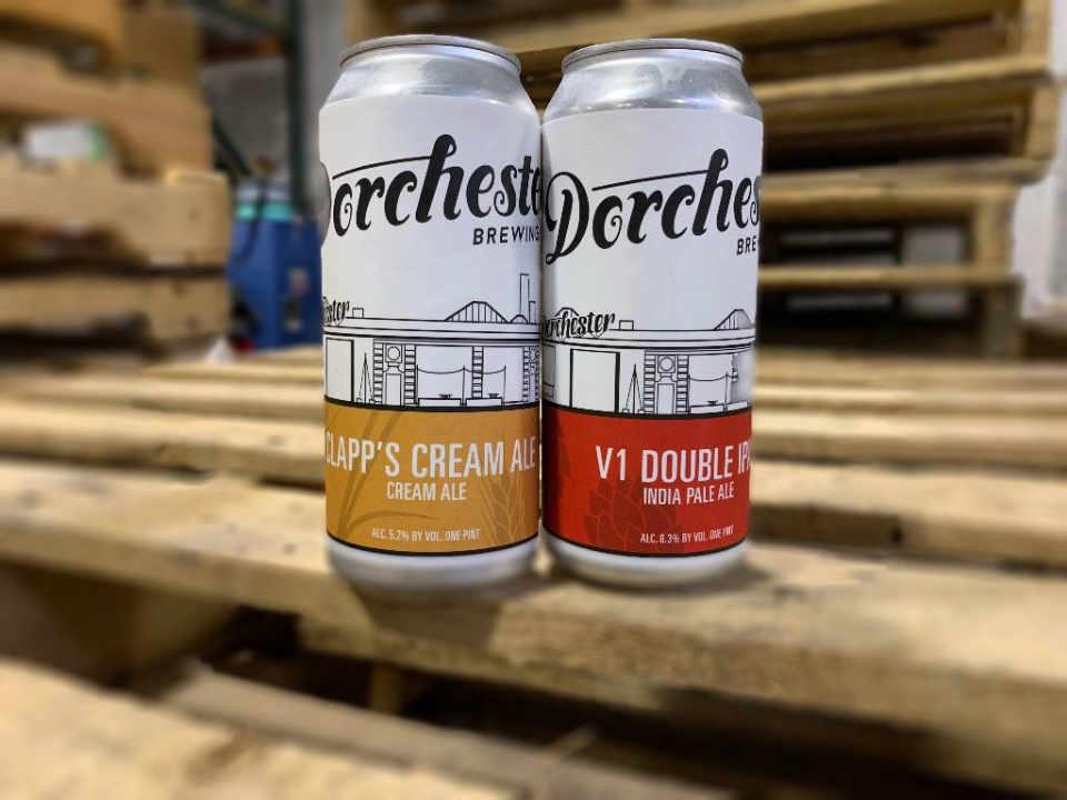 Microbrasserie canettes de bière Dorchester Brewing Company Dorchester Massachusets États-Unis Ulocal produit local achat local