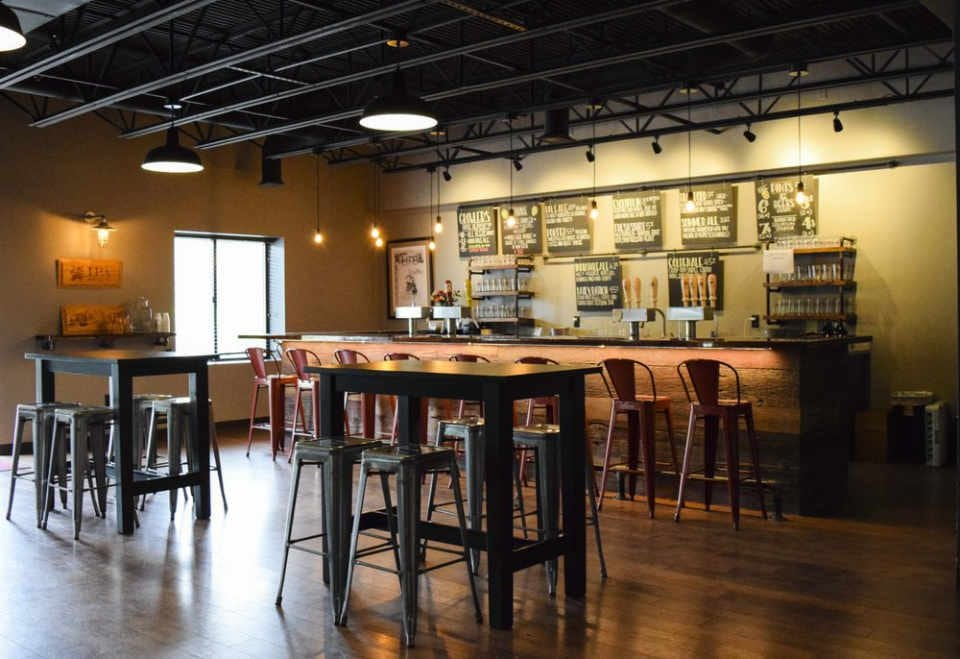 Microbrasserie salle de dégustation Mayflower Brewing Company Plymouth Massachusetts États-Unis Ulocal produit local achat local