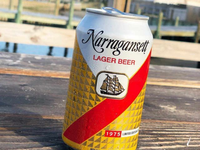 Microbrewery Beer Can Narragansett Beer Company Pawtucket Rhode Island United States Ulocal Local Product Local Purchase