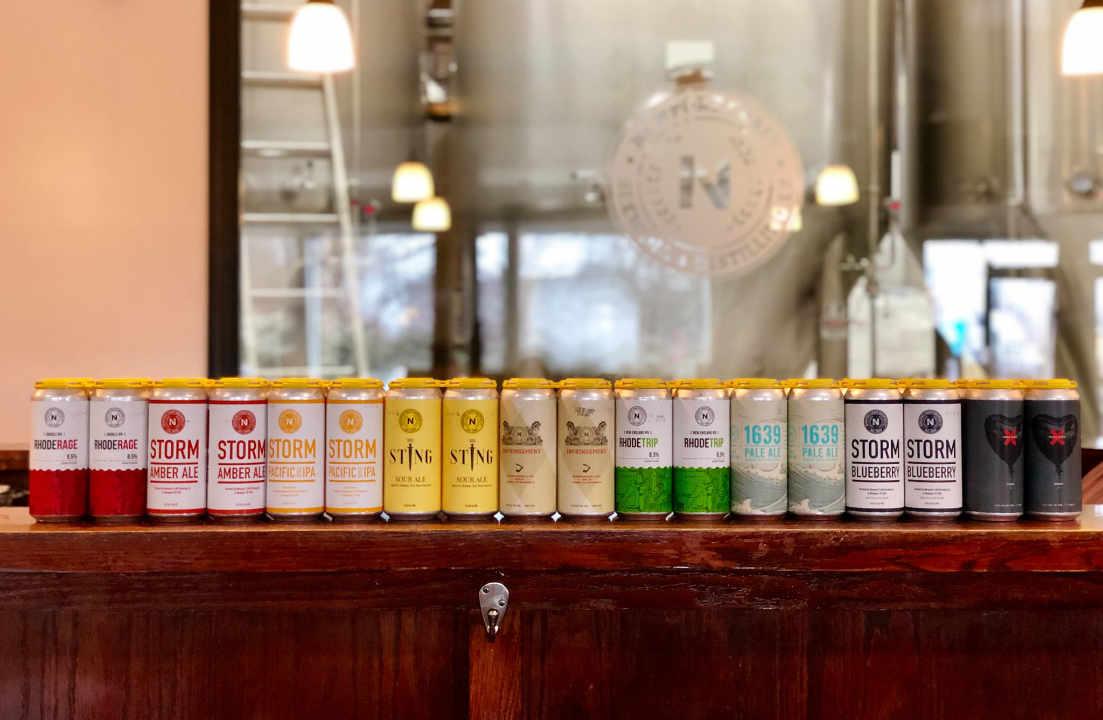 Microbrasserie canettes de bière Newport Craft Brewing + Distilling Co. Newport Rhode Island États-Unis Ulocal produit local achat local