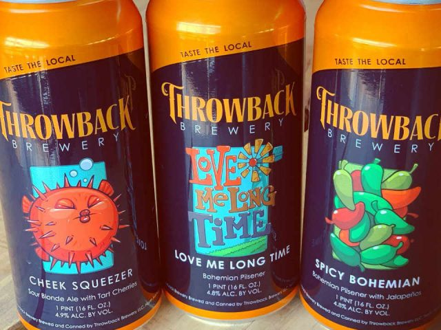 Microbrasserie canettes de bière Throwback Brewery North Hampton New Hampshire États-Unis Ulocal produit local achat local