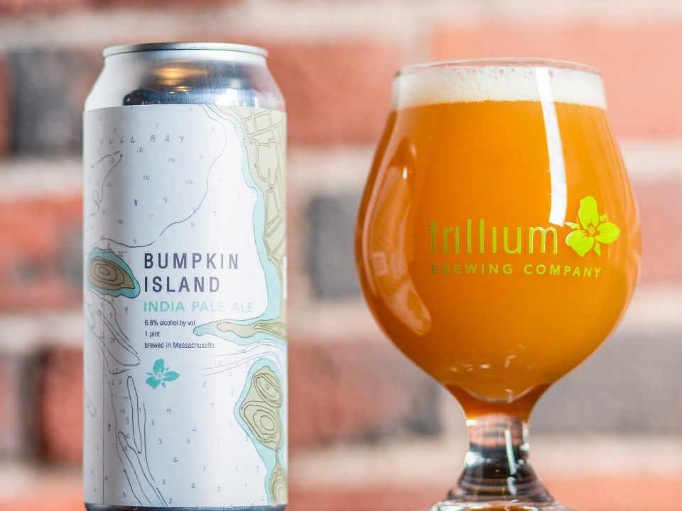 Microbrasserie verre et canette de bière Trillium Brewing Company Canton Massachusetts États-Unis Ulocal produit local achat local