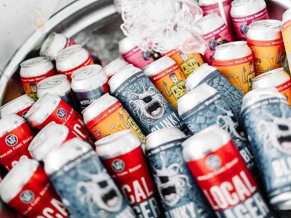 Microbrasserie canettes de bière Woodland Farms Brewery Kittery Maine États-Unis Ulocal produit local achat local