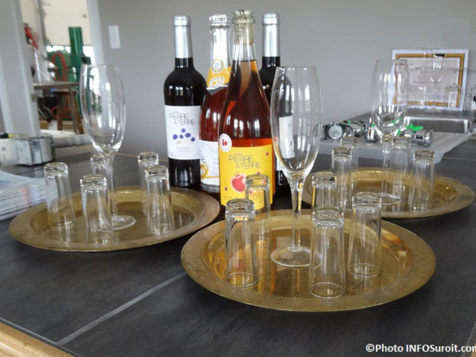 liquor trays for a tasting with different varieties of house wines cidrerie entre pierre et terre franklin quebec canada ulocal local products local purchase local produce locavore tourist