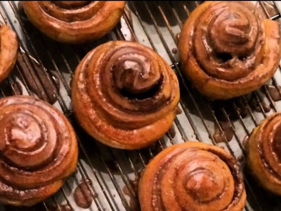 boulangerie artisanale patisseries brioches du jour la bête à pain griffintown montreal québec canada ulocal produits locaux achat local produits du terroir locavore touriste