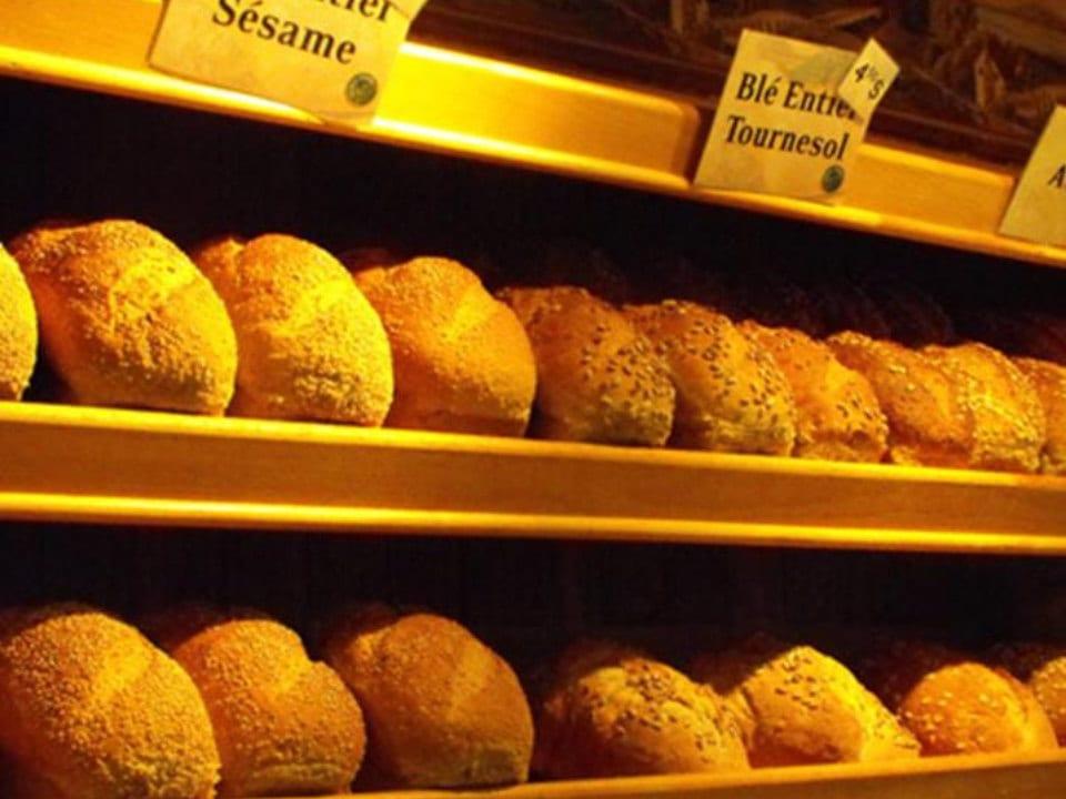 boulangerie artisanale pains biologiques frais du jour sur les tablettes la mie de la couronne sherbrooke québec canada ulocal produits locaux achat local produits du terroir locavore touriste