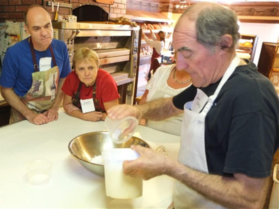 boulangerie artisanale jean-claude reinbold donne un atelier sur comment faire le pain la mie de la couronne sherbrooke québec canada ulocal produits locaux achat local produits du terroir locavore touriste