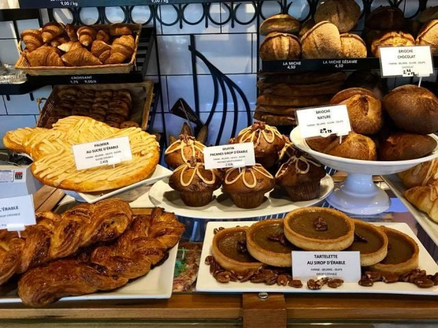 artisan bakeries display of chocolate croissants pastries brioche breads of the day le pain dans les voiles st-bruno de montarville saint-bruno-de-montarville quebec canada ulocal local products local purchase local produce locavore tourist