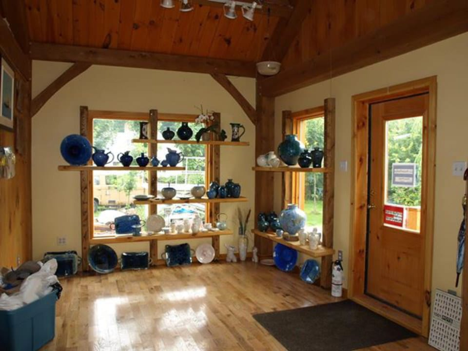 artisans workshop and pottery shop surrounded by windows and hardwood floor le potier pothier havelock quebec canada ulocal local products local purchase local produce locavore tourist