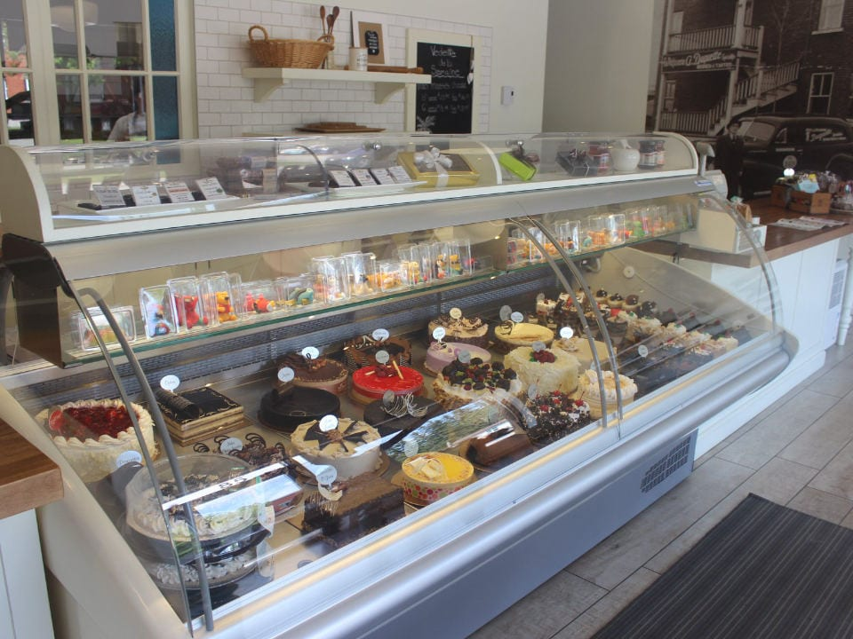 pastry shops refrigerated display stands for pastries pâtisserie duquette sherbrooke quebec canada ulocal local products local purchase local produce locavore tourist