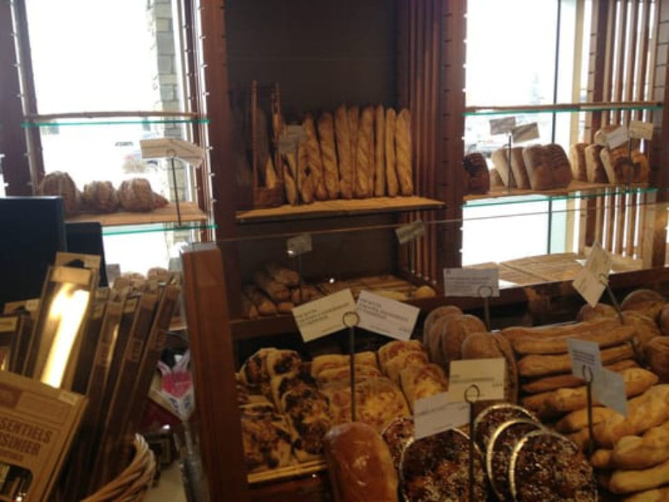 artisan bakeries pastry and bread display stands première moisson dix30 brossard quebec canada ulocal local products local purchase local produce locavore tourist