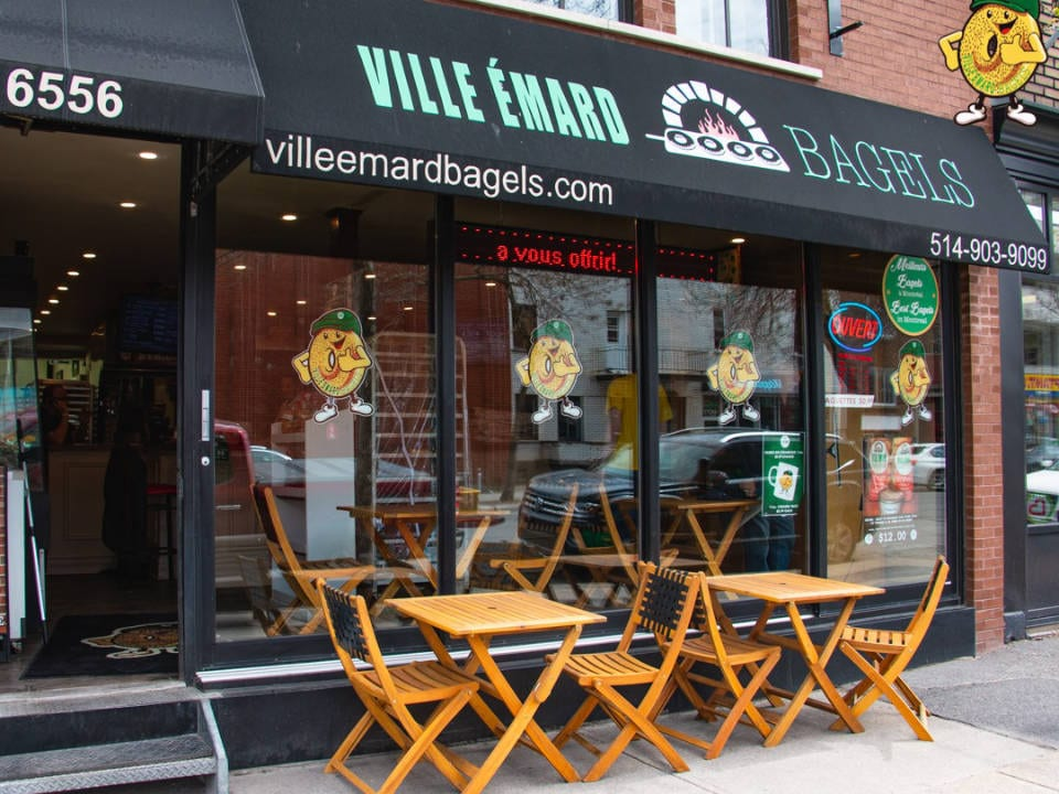 artisan bakeries front of the bakery with small terrace forward with some tables and chairs to enjoy a bagel or a pastry ville-émard bagels montréal quebec canada ulocal local products local purchase local produce locavore tourist