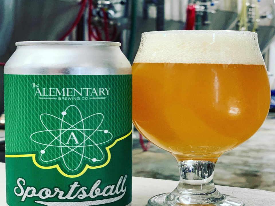 Microbrasserie canette et verre de bière The Alementary Brewing Co. Hackensack New Jersey États-Unis Ulocal produit local achat local