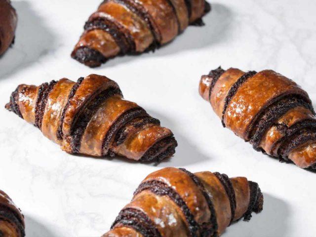Boulangerie artisanale croissant au chocolat Breads Bakery New York New York États-Unis Ulocal produit local achat local
