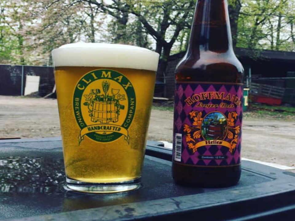 Microbrasserie verre et bouteille de bière Climax Brewing Company Roselle Park New Jersey États-Unis Ulocal produit local achat local