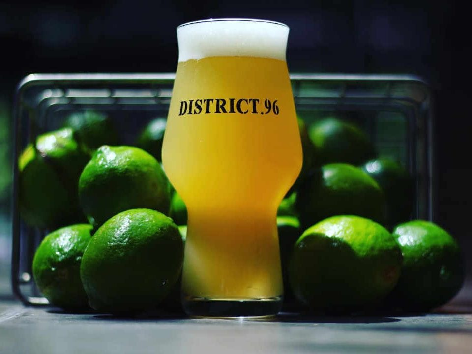 Microbrewery Beer Glass District.96 Beer Factory New City New York United States Ulocal Local Product Local Purchase