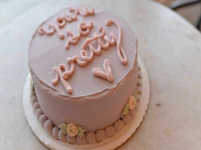 Pastry shop Cake Erin McKenna's Bakery New York New York United States Ulocal Local Product Local Purchase