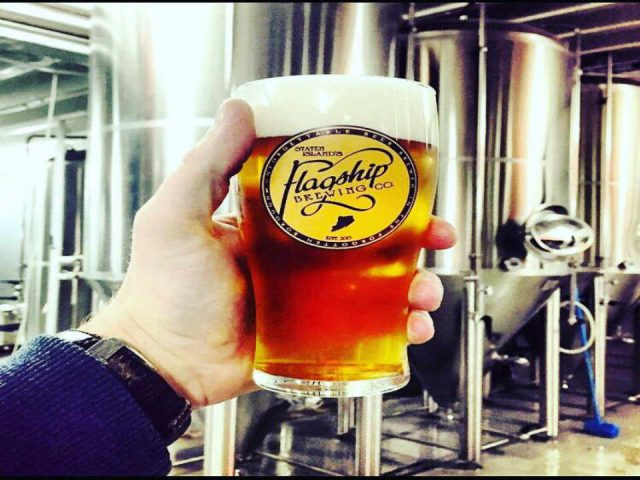 Microbrewery Beer Glass Flagship Brewery Staten Island New York United States Ulocal Local Product Local Purchase