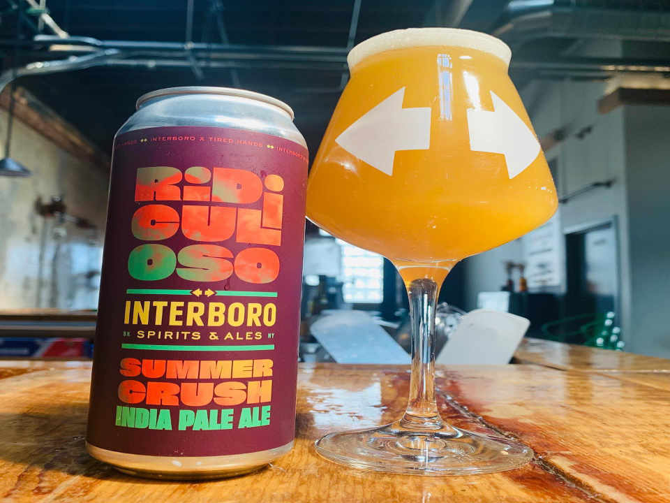 Microbrasserie verre et canette de bière Interboro Spirits and Ales Brooklyn New York États-Unis Ulocal produit local achat local