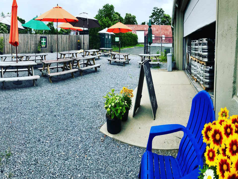 Microbrewery terrace Long Ireland Beer Company Riverhead New York United States Ulocal Local Product Local Purchase