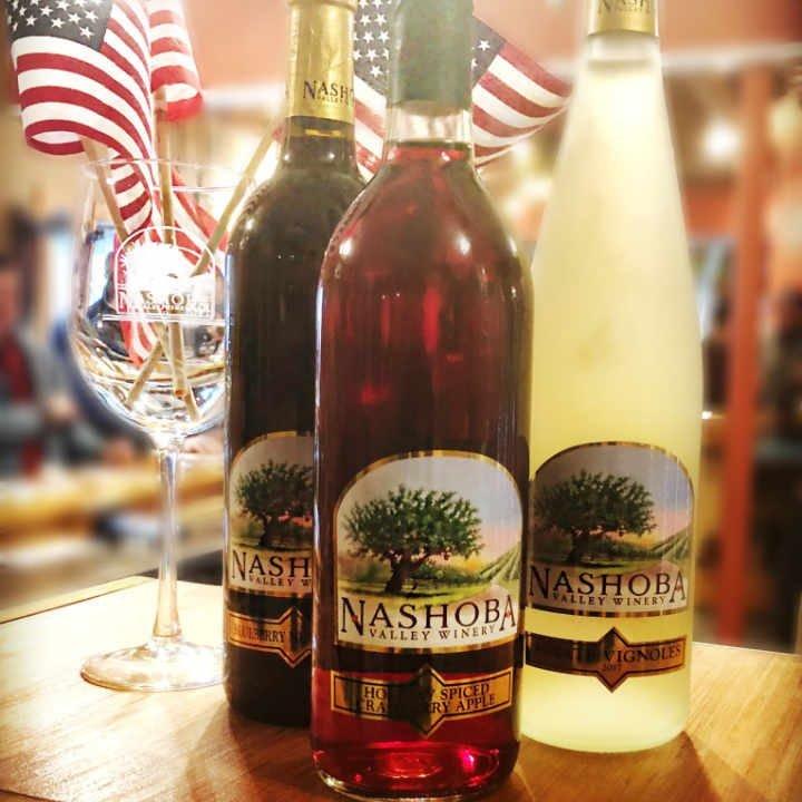 Vignoble bouteilles de vin Nashoba Valley Winery Bolton Massachusetts États-Unis Ulocal produit local achat local