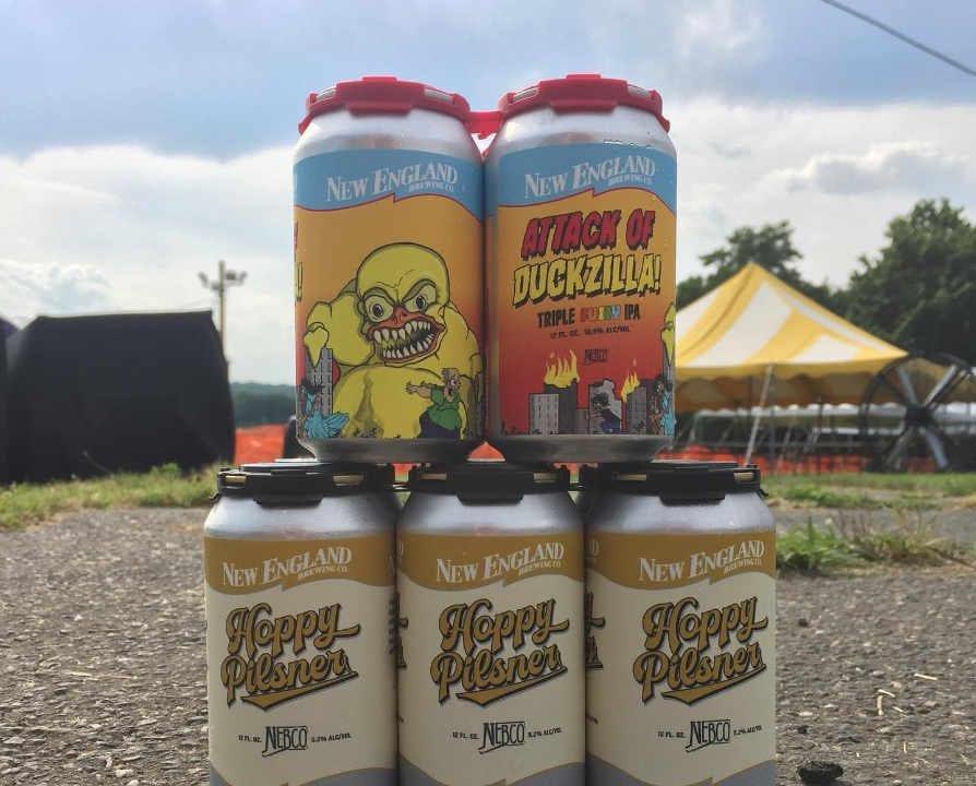 Microbrasserie canettes de bière New England Brewing Co. Woodbridge Connecticut États-Unis Ulocal produit local achat local