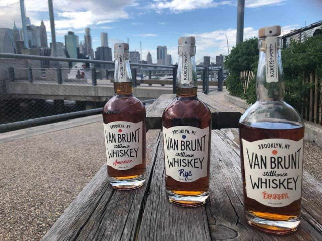 Alcool whiskey Van Brunt Stillhouse Brooklyn New York États-Unis Ulocal produit local achat local