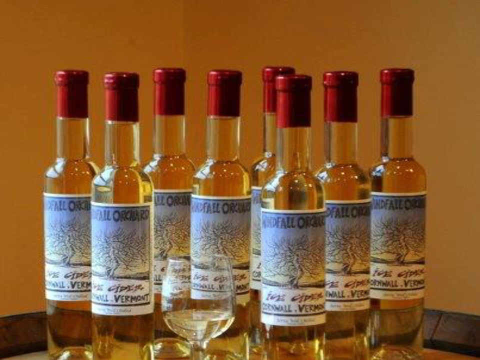 Alcool bouteilles de cidre Windfall Orchard Cornwall Vermont États-Unis Ulocal produit local achat local
