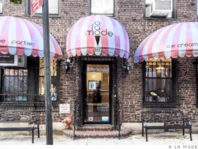 Restaurant facade A la mode New York New York United States Ulocal local product local purchase