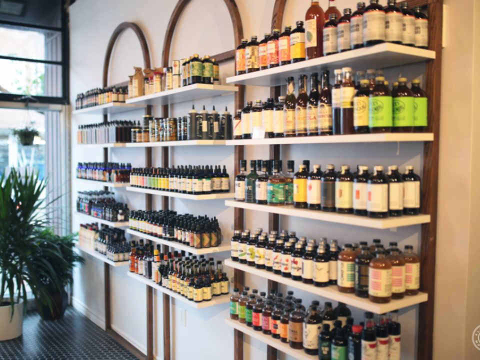 Alambika Montreal craft cocktail shop Ulocal local product local purchase