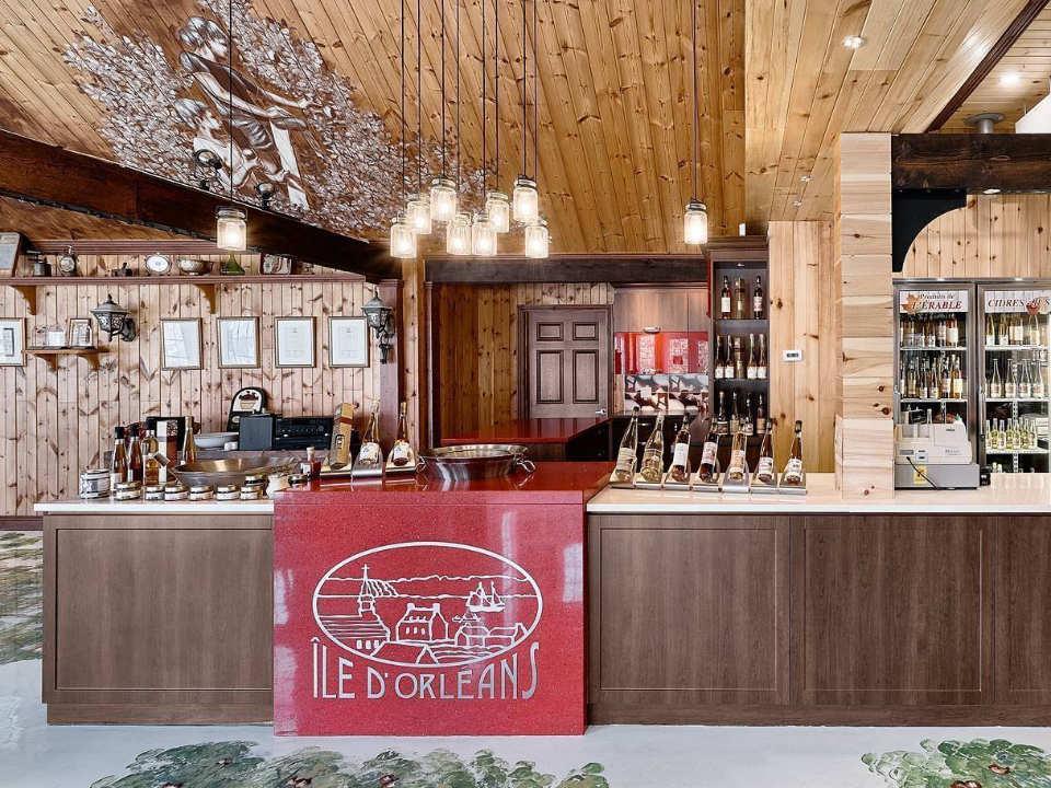 autocueillette cidrerie et bar de dégustation avec tous les cidres vins mousseux et autres sous-produits cidrerie verger bilodeau saint-pierre québec canada ulocal produits locaux achat local produits du terroir locavore touriste