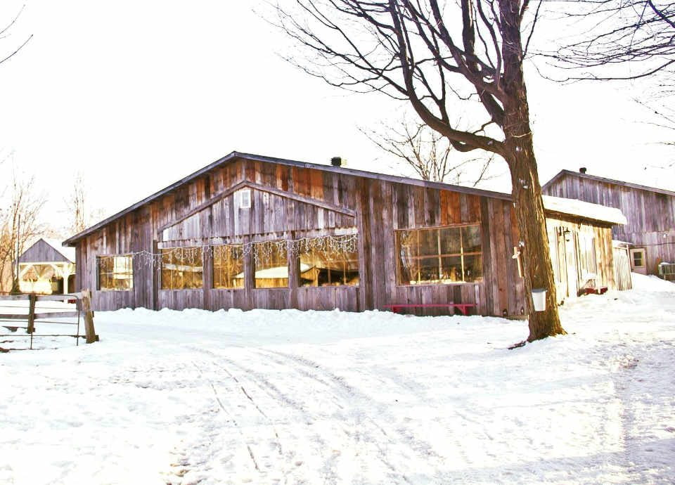 Sugar maple sugar supply Cabane A Sucre La p'tite hut on the Côte Mirabel Quebec Ulocal local product local purchase