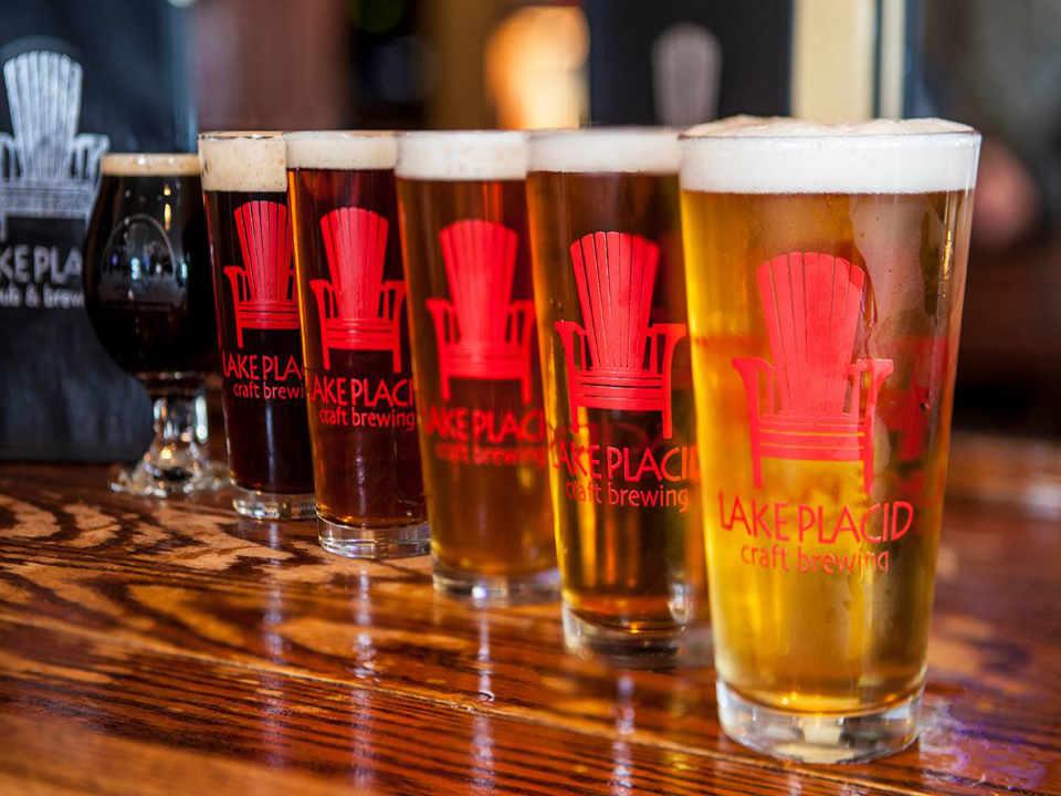 Microbrasserie verres de bière Lake Placid Pub & Brewery Lake Placid New York États-Unis Ulocal produit local achat local