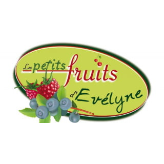 produce picking logo les petits fruits d'evélyne princeville quebec canada ulocal local products local purchase local produce locavore tourist