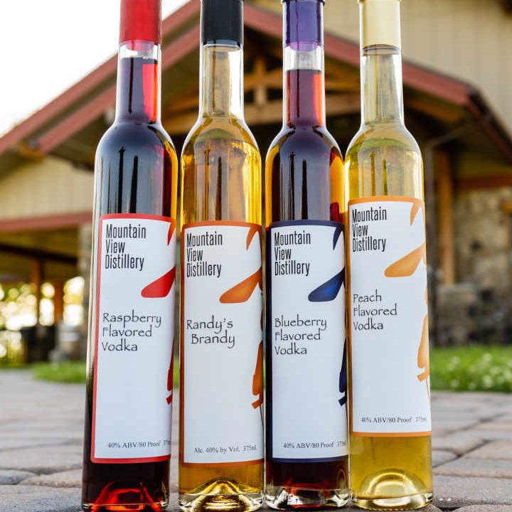 Vignoble bouteilles de vodka Mountain View Vineyard, Winery, Brewery & Distillery Stroudsburg Pennsylvanie États-Unis Ulocal produit local achat local