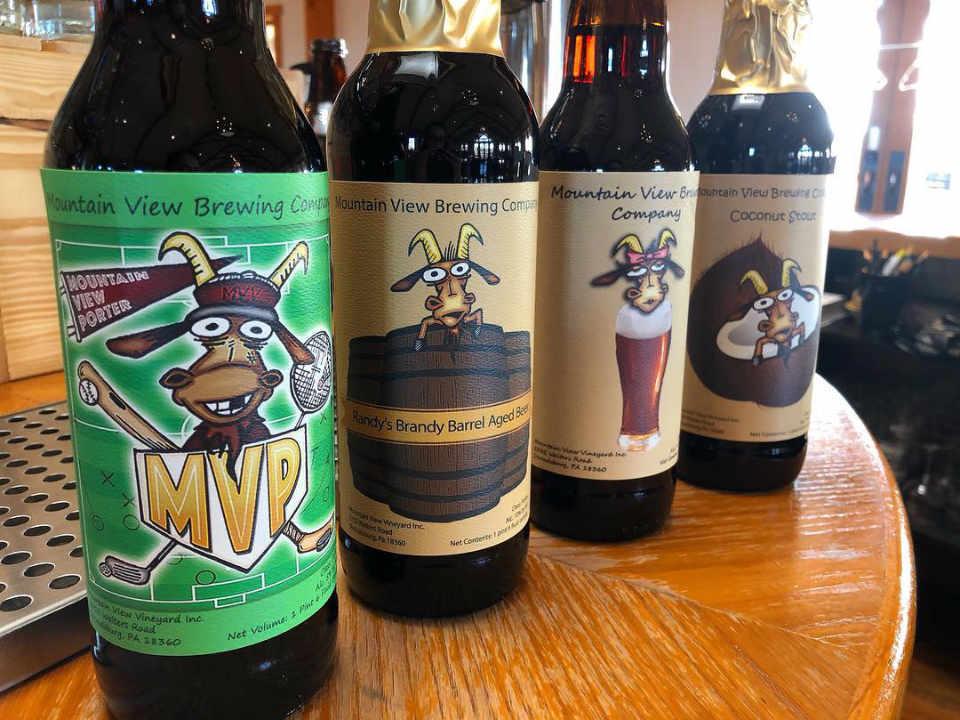 Vignoble bouteilles de bière Mountain View Vineyard, Winery, Brewery & Distillery Stroudsburg Pennsylvanie États-Unis Ulocal produit local achat local