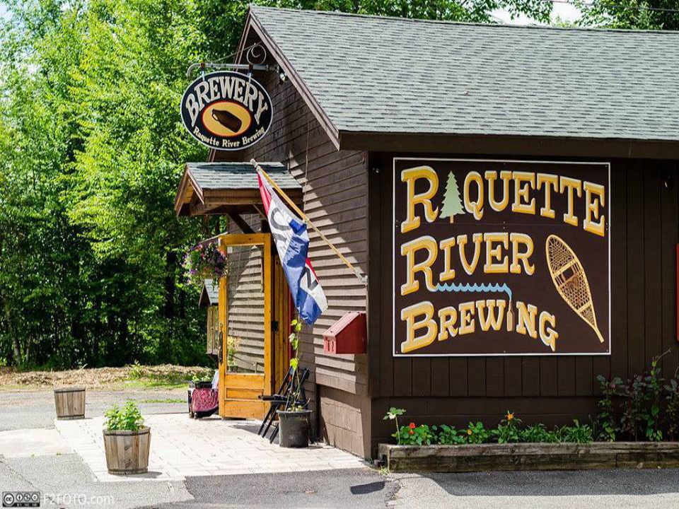 Microbrasserie brasserie Raquette River Brewing Tupper Lake New York États-Unis Ulocal produit local achat local