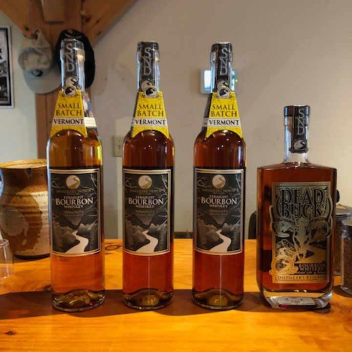 Alcool Bourbon Smugglers' Notch Distillery Jeffersonville Vermont États-Unis Ulocal produit local achat local