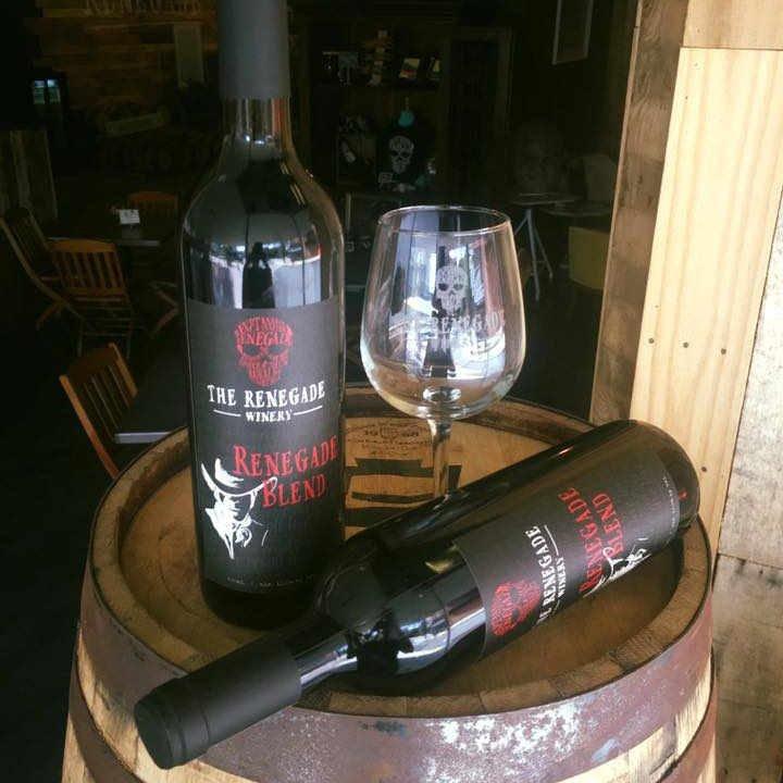 Vignoble bouteilles de vin The Renegade Winery Tannersville Pennsylvanie États-Unis Ulocal produit local achat local