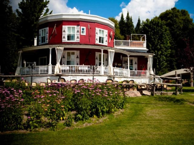 Restaurant alimentation Auberge de la Tour du Lac Sainte-Agathe-des-Mont Québec ulocal produit local achat local