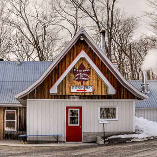 Sugar shack food Érabliere du Lac Argent Marbleton Quebec Ulocal local product local purchase