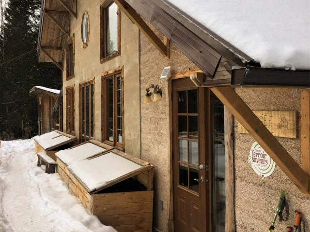 Ecological Organic Vegan Sugar Shack The Mont-Tremblant Ulocal Tuque Hut Local Product Local Purchase