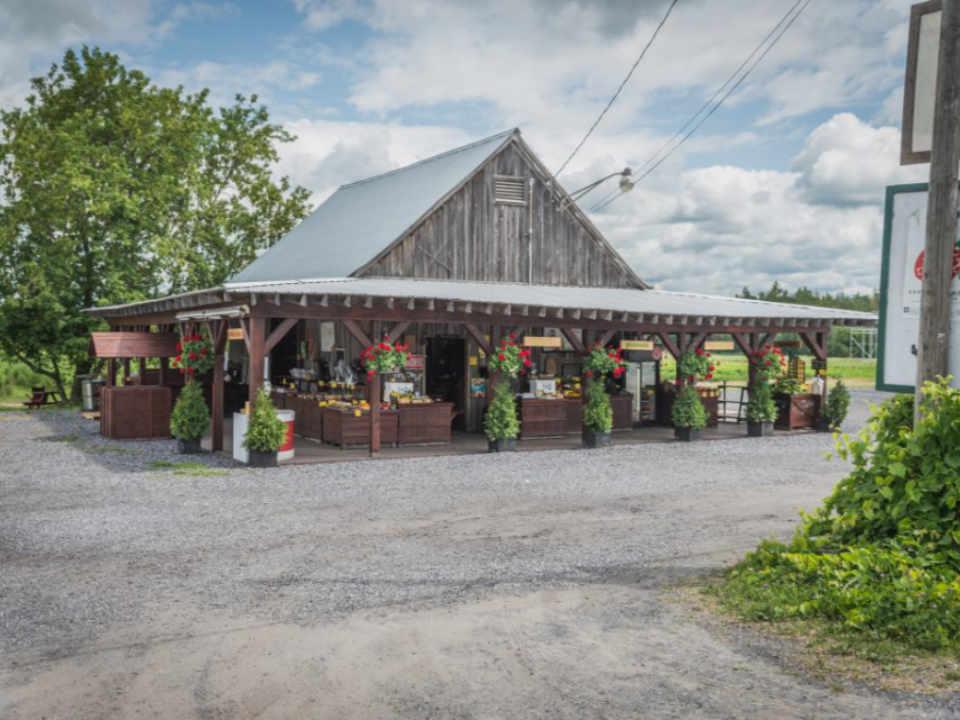 Marché de fruits et légumes Les Jardins Abbotsford D.C. Saint-Paul-d'Abbotsford Québec ulocal produit local achat local